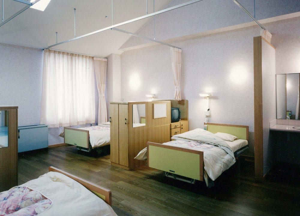 療養室(4人部屋)